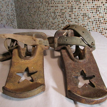 Antique Cast Iron Saddle Stirrups???