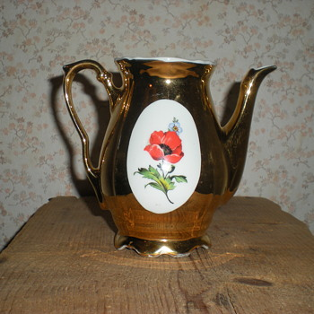 Bulgarian gilded porcelain coffee pot 1970s.
