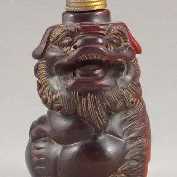 Vintage Chinese Ox Horn Carved Foo Dog Snuff Bottle