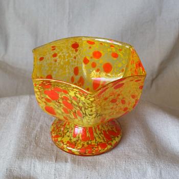 Kralik Yellow and Red Oil spot mottled bowl vase - Art Glass