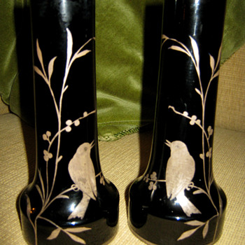 BLACK/AMETHYST PAIR OF VASES - Art Nouveau