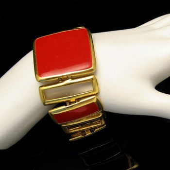 My Favorite Chunky Vintage Bracelet - Costume Jewelry