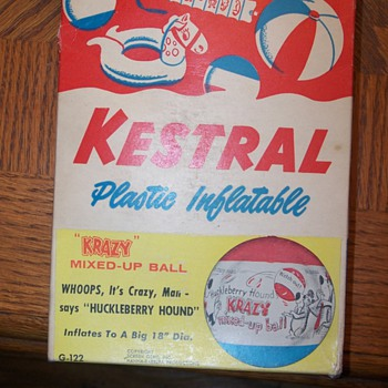 "Kestral plastic inflatable ""krazy"" mixed-up ball huckleberry hound - Games"