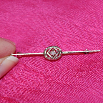 White Gold Bar Pin Marked with 14K and a Key Symbol  - Fine Jewelry