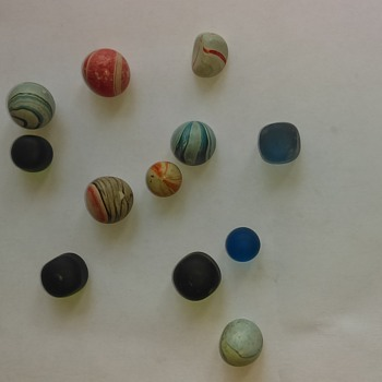 Atleast 50 year old marbles any idea  - Art Glass
