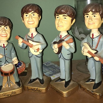 Original Car Mascot Beatles Bobblehead Dolls from 1964 + Dr Pepper clock - Music Memorabilia