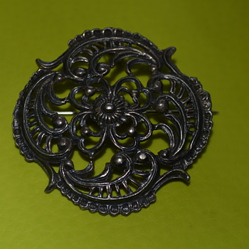 Vintage pewter brooch pendant  - Costume Jewelry
