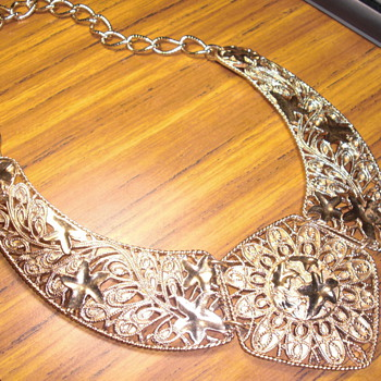 Necklace - Costume Jewelry