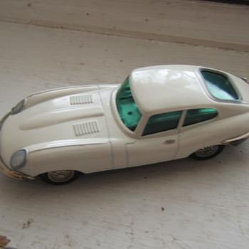 Schuco 1047/1 Key-wind Micro-racer Jaguar e-type
