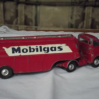 mobil Gas Truck