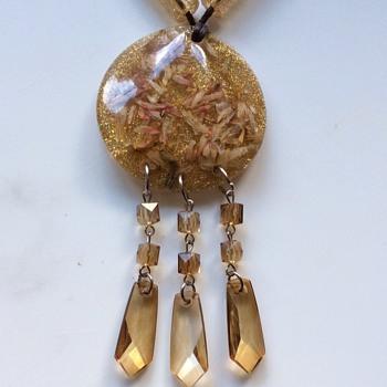 Vintage Bakelite pendant