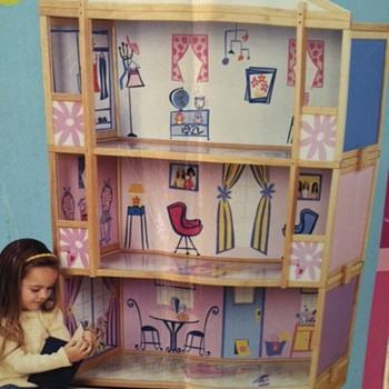 Barbie Storage House - Dolls