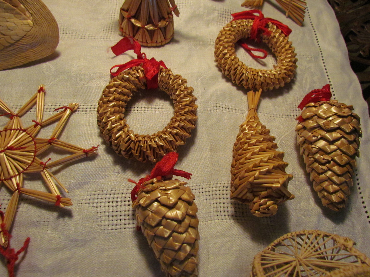 Vintage Swedish Straw Christmas Ornaments | Collectors Weekly