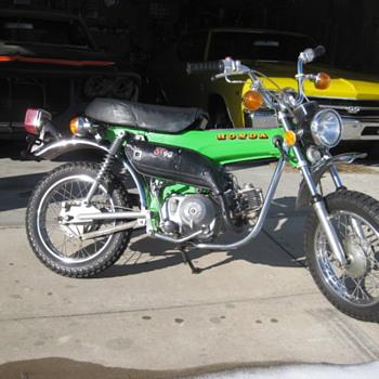 Honda st90 - Motorcycles