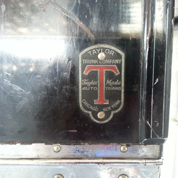 Old Taylor auto trunk - Furniture