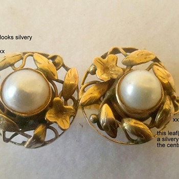 Arts and Crafts 15ct Gold and Pearl Screw On Earrings
