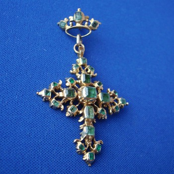 18th Century Emerald Gold Cross