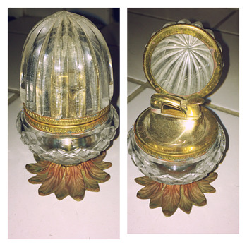 Evans Acorn Lighter ca 1940-1950