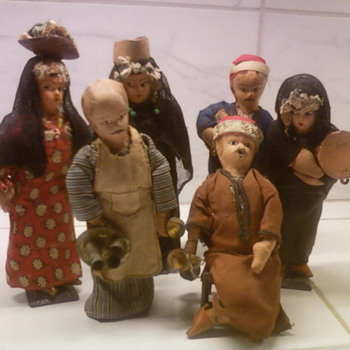 Know origin of these dolls? East Indian? - Dolls