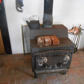 Old Berkshire woodstove - Kitchen