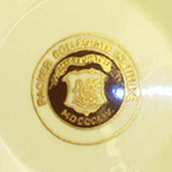 Willets Belleek porcelain Dish, Packer Institute Collegiate School crest logo rare