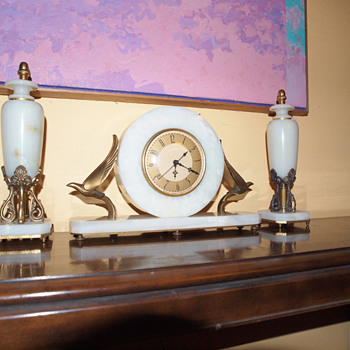1930's White Oynx Whitehall Hammond Art Deco Clock With Garnitures