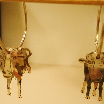 Cows and Frogs Sterling ear rings, and Jade! Also 720 silver coin bracelet - Fine Jewelry