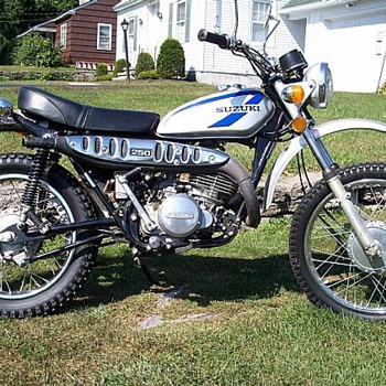 1975 Suzuli TS 250 - Motorcycles