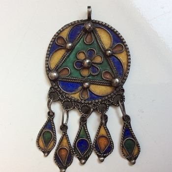 Berber enamel and silver pendant - Fine Jewelry