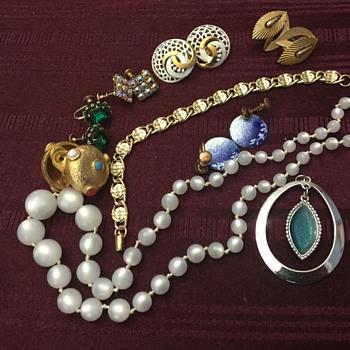Random jewelry - Costume Jewelry