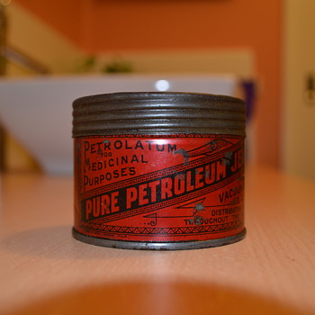 Vacuum oil Petroleum Jelly tin 1920s from Australia