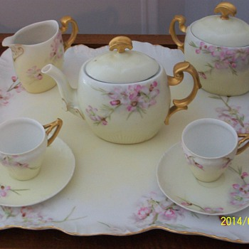 Maw Maws Tea Set - China and Dinnerware