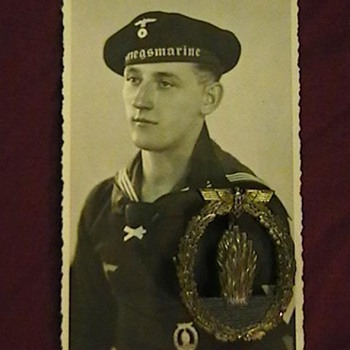 WW II Kriegsmarine Sailor Post Card with Badge - Military and Wartime