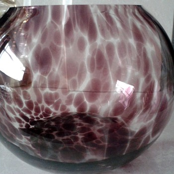 May be a Witches Ball oil lamp ? - Art Glass
