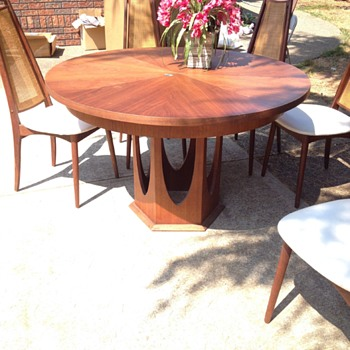 Table & chairs I just bought - Mid-Century Modern