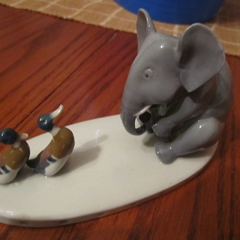 Metzger & Orloff Vintage Elephant Figurine w/ 2 Little Ducklings