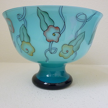 Deco or slightly post deco Czech bowl  - Art Glass