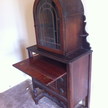 Curio type Cabinet, antique. Used to be in my grandmothers dining room