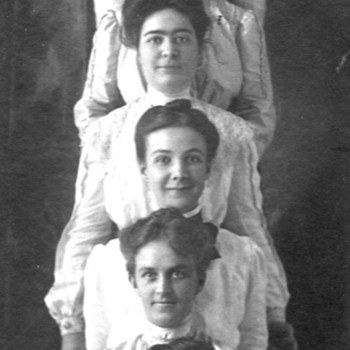 Great photo of  6 girls - Photographs