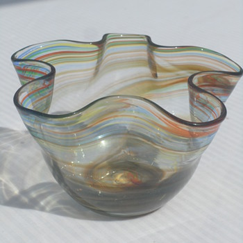 Blown Glass Ruffled Edge Swirl Bowl
