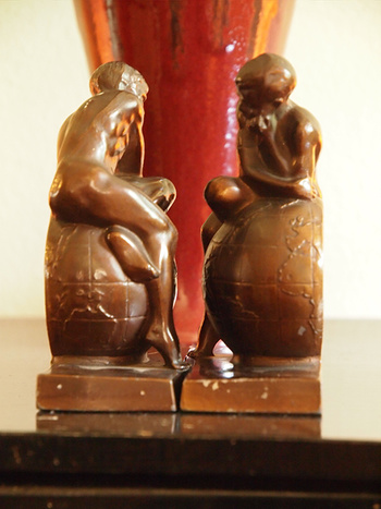1925 30 Man Atlas Sitting On Top Of The World Bookends