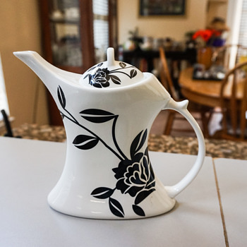 Black & White Tea Pot - Art Pottery