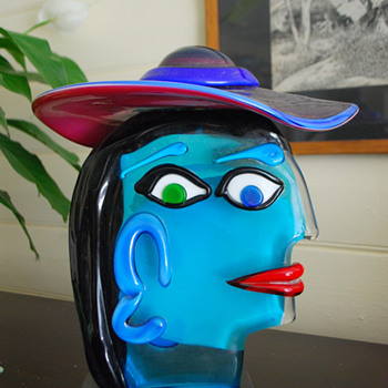 Murano glass Picasso lady with hat by Austeré