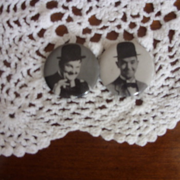 laurel and hardy pins - Advertising
