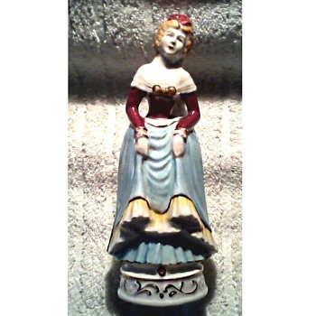 "Moriyama Porcelain Victorian Lady ""#1020"" / Made in Occupied Japan/ Circa 1945-52"