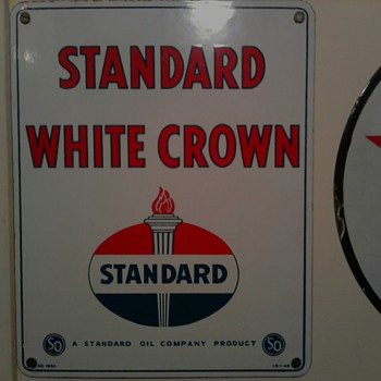 Standard White Crown Gas Sign