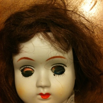 Please help identify this doll - Dolls