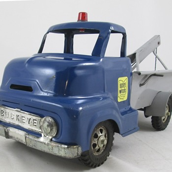 Buckeye Wrecker Truck - Model Cars