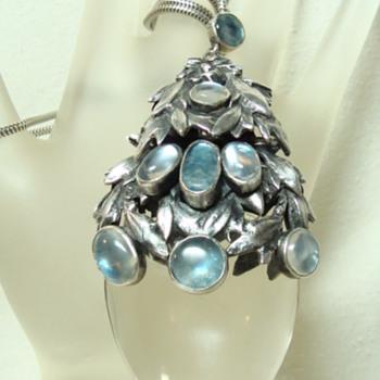Bernard Instone (?) Pendant - Fine Jewelry