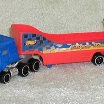 1999 - Hot Wheels Semi Truck Car Hauler